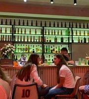 Holy Deer bar&brunch