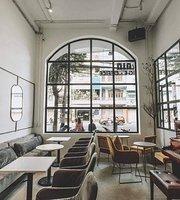 Cafe de Train