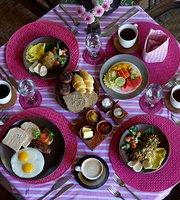 d'Omah Lotus Restaurant