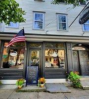 225 Warren Bar & Grill
