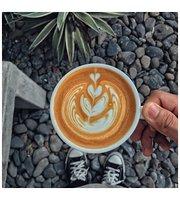 Dâu Ngọt café 'n' souvenir