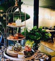 Thirteen cafe