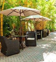 Preston's Wine and Martini Lounge