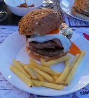 Garage Hamburger & Pub