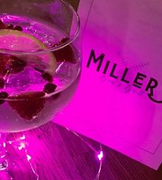 ‪Millers Bar & Grill‬