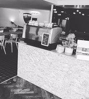 Harold's Food & Coffee