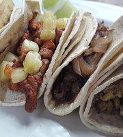 Tacos y Carnes Los Revolcados