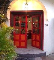 Martha's Guesthouse & Restaurant