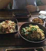 Wai Wai's Noodle Place @ Downtown