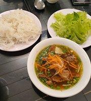 Pho Xua Riverside