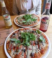 Noahs Restaurant Vegan Pizza