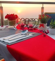 The RoofTop, GoldenBay Hotel