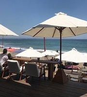 Tukan Beach Bar