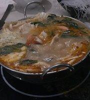 Hu Dat Central Hot Pot