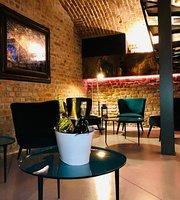 Vinthiages Cafe