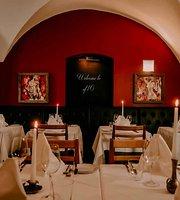 ef16 Restaurant