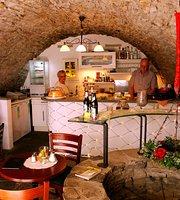 Café & Bistro Brunnen