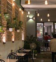 Ce Moa Cafe & Bistro