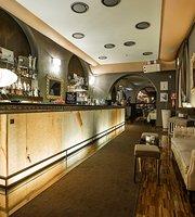 Cost Lounge Bar & Restaurant