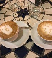 En Plo Cafe