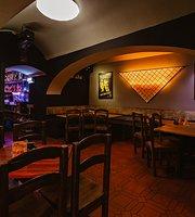 Café-Pub Atmosphere