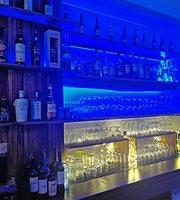 Cafe Riva Violin Bar