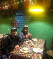 B&B Tacos y Burritos