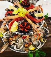 Il Salotto Del Pesce Crudo & Cocktail