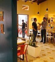 Estadero Bistro & Cafe