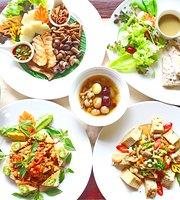 Shewe Vegan Cafe