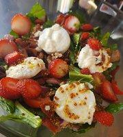Flo's Healthy Food and Bar