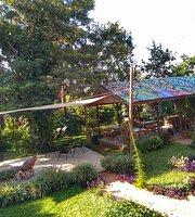 Muti Garden Cafe and Restaurant