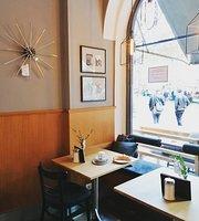 Mueller 7 Cafe
