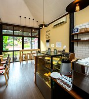 Fruit Tree Lodge & Coffee Shop