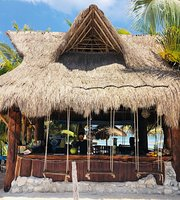 Lunas Bar restaurant