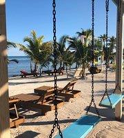 Pirate South Beach Pub & Cafe