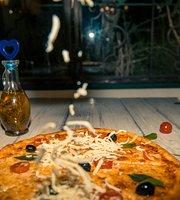 Ajikol Pizza