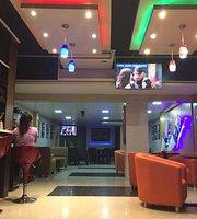 Paulev Lounge