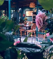 La Mappa Cafe & Bistro