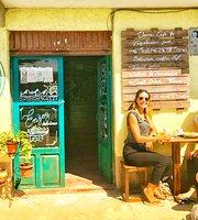Llama Cafe