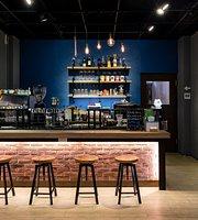 R5 Bistro & Cafe