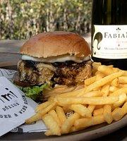 Primi Búzios Burger & Wine Room