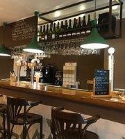 Puzzles Bar & Restaurant