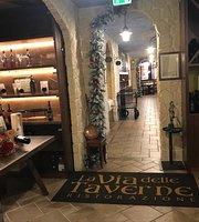 La Via delle Taverne