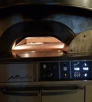 La Carmela Pizzeria e Birrateque