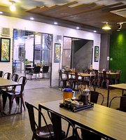 Com Hien Nhi Restaurant