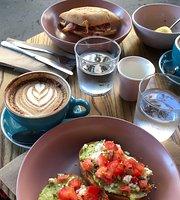Mug Life Cafe