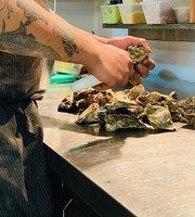 Tipsy Oyster Tapas & Bar Restaurant
