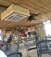 El Pescador Bar & Grill