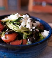Day Cafe & Salad Bar
